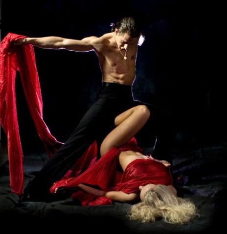 seks-tantsi-zhenshina
