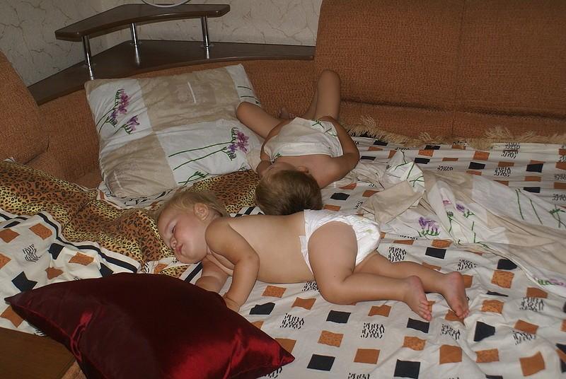 голая растерялся спит мама сын онлайн не