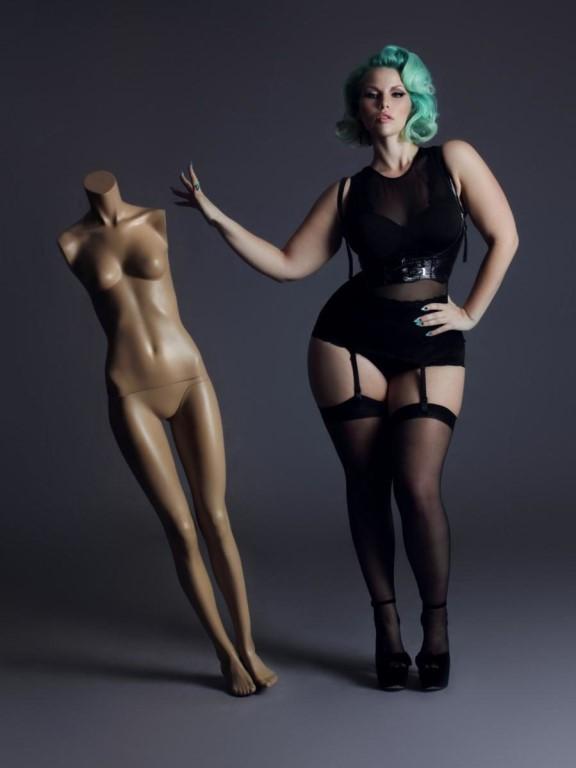 foto-seksualnih-pishnih-modeley