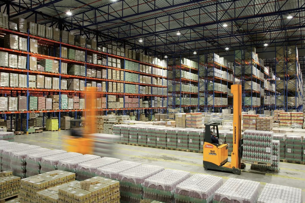 advantages of plant and warehouse site In manufacturing, facility layout consists of configuring the plant site with lines, buildings, major facilities, work areas, aisles, and other pertinent features such as department boundaries.