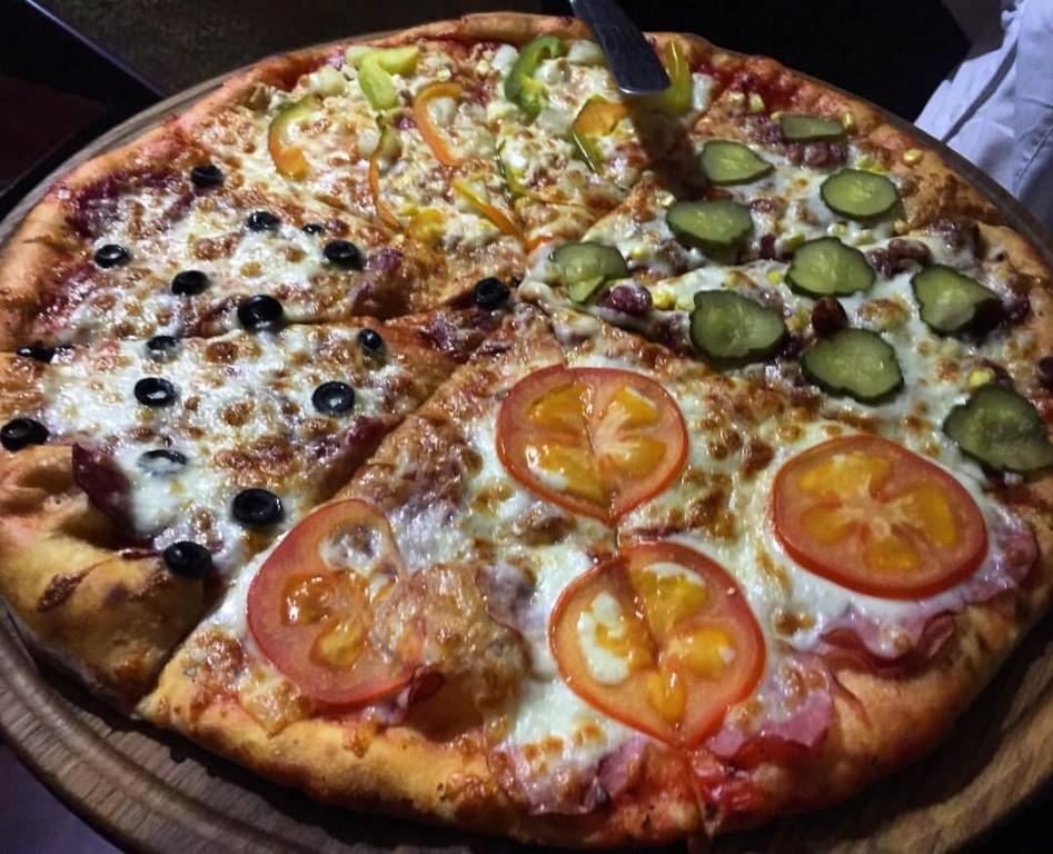 Служба доставки пиццы работает в вологде, череповце, ярославле, иваново, костроме, рыбинске, чебоксарах, твери, тольятти, владимире, великом новгороде.