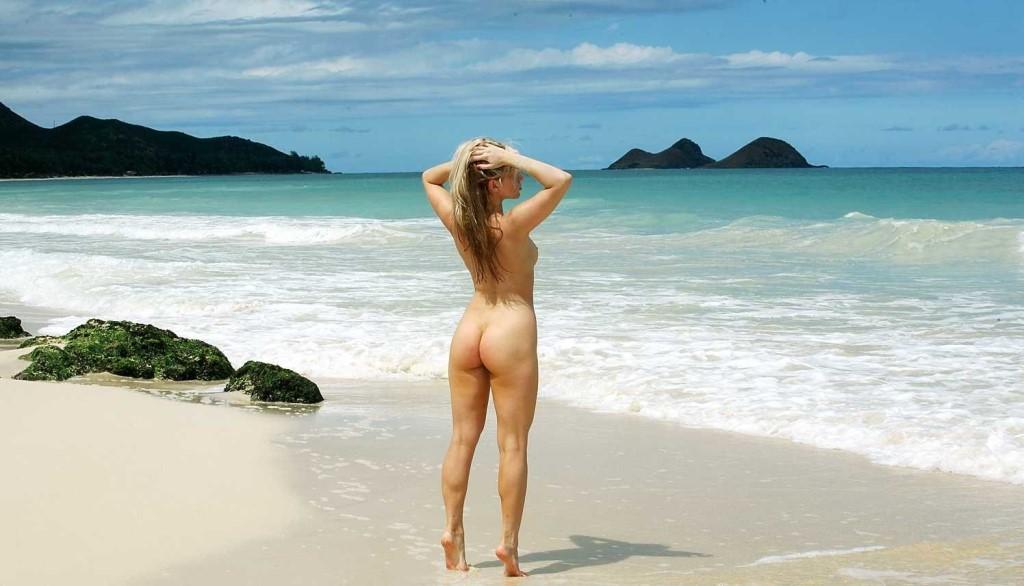 голые на пляже круп вид фото