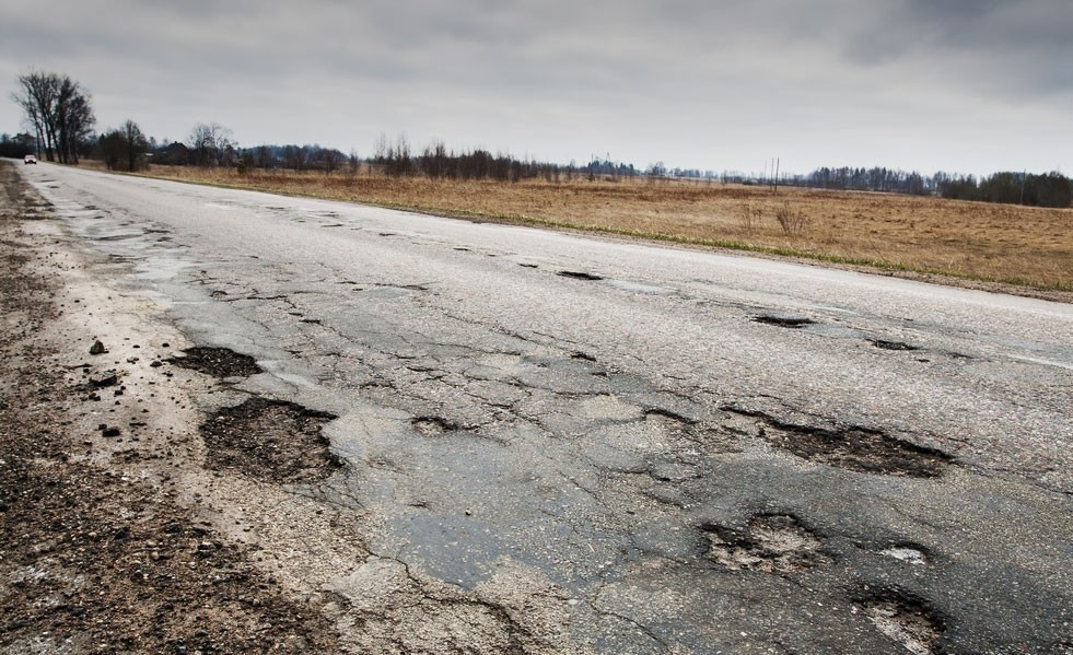 accident automobile and rough asphalt road Road debris, a form of road that vehicle-related road debris caused 25,000 accidents and car will come out road debris can also cause other.