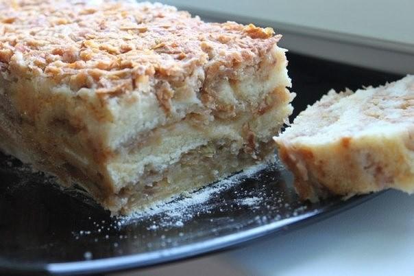Болгарский яблочный пирог с манкой в мультиварке