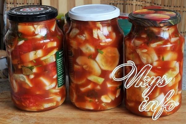Предлагаем вашему вниманию несколько рецептов огурцов в томатной заливке на зиму с фото.
