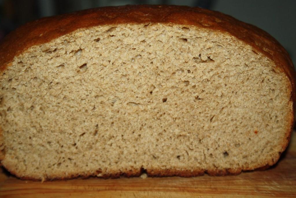 Создать собственными руками вкусный и полезный, питательный и ароматный продукт позволяет закваска для хлеба без дрожжей.