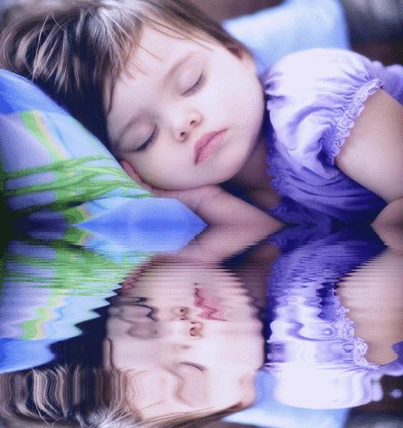 Приснилась мама и ссора с ней, обида на мать, бить мать или кричать на мать во сне — семейный разлад; одиночество и подавленность.