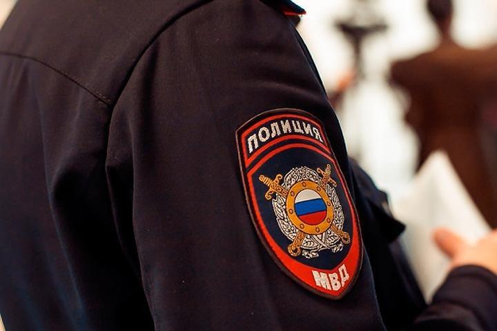 Курянин сорвал погоны у полицейского