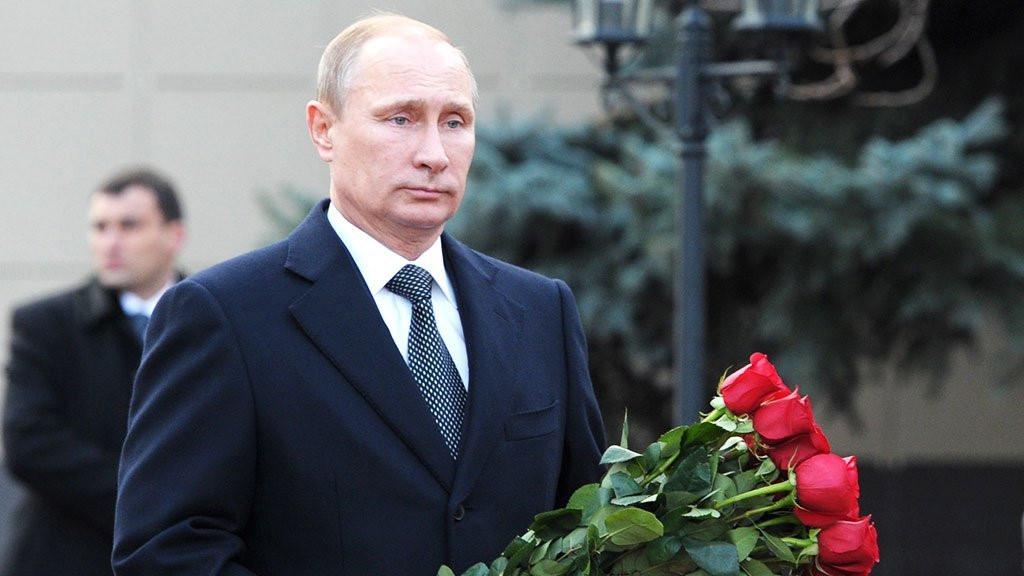 «Это ведь не боевые действия». Путин прилетел в Кемерово ...