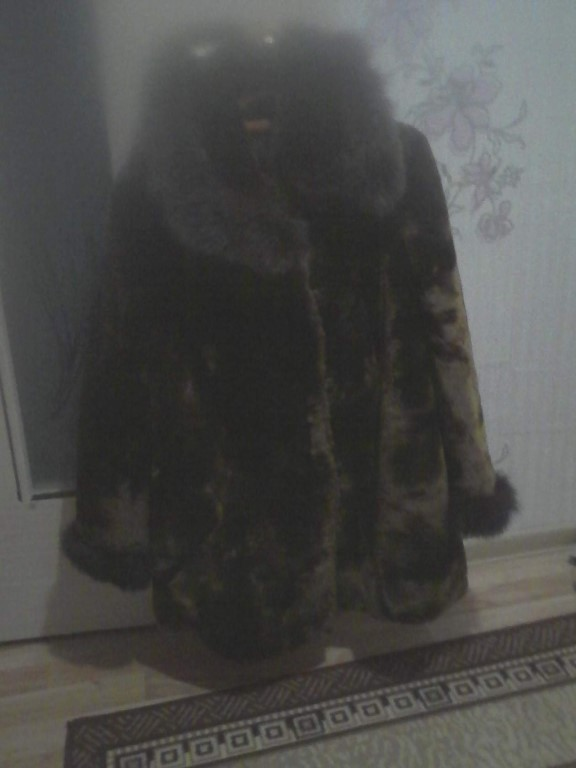 Шуба Мутон,очень тёплая, темно#коричневаяв отличном состоянии,р-р52-54,цена 1500руб тел.