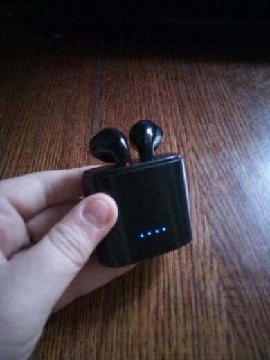 Продаю беспроводные Bluetooth 4.1 наушники